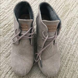 Tom's gray wedge booties size 6